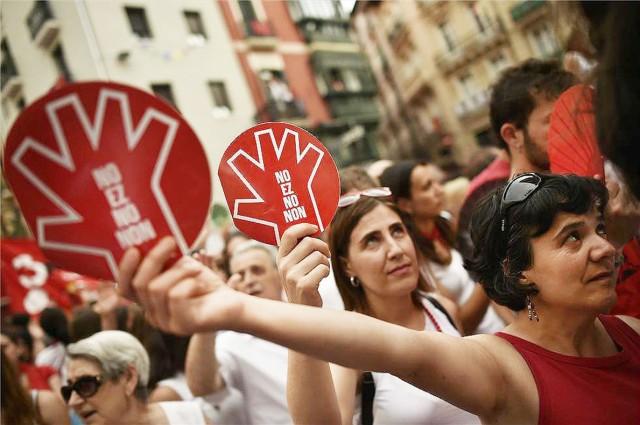 protesta-en-pamplona-contra-agresiones-sexuales-1468013646584