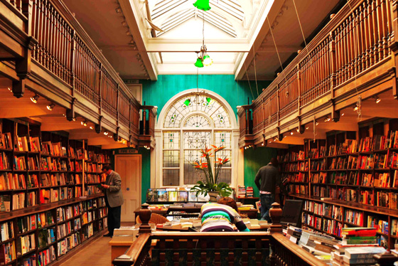 3_daunt-books-london-england
